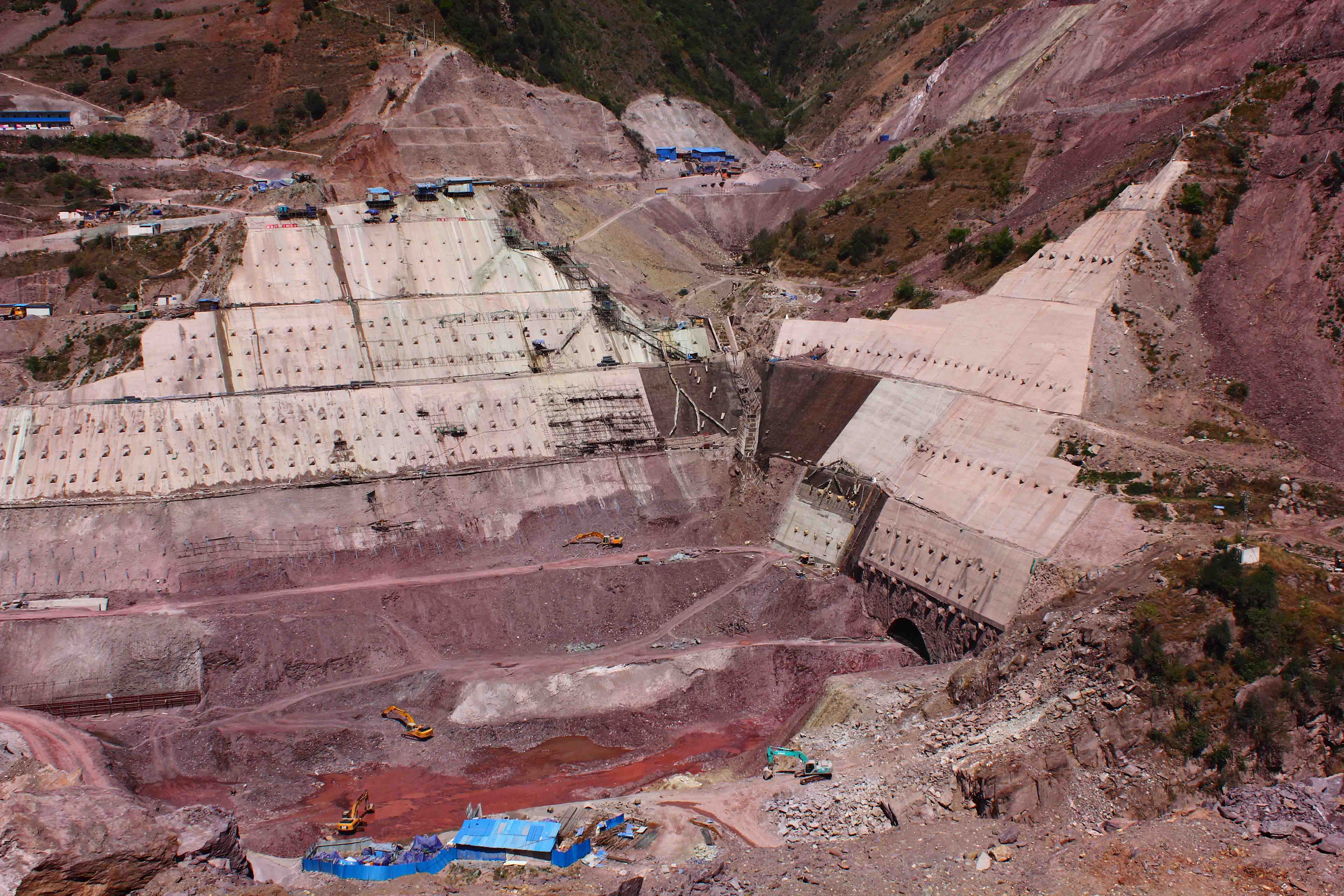 The Huangdeng Hydro Power Station on the Lancang River is currently under construction by HYDROCHINA Kunming (KHIDI) using an integrated model-based approach. Source: http://commons.wikimedia.org/wiki/, author Zhangmoon618