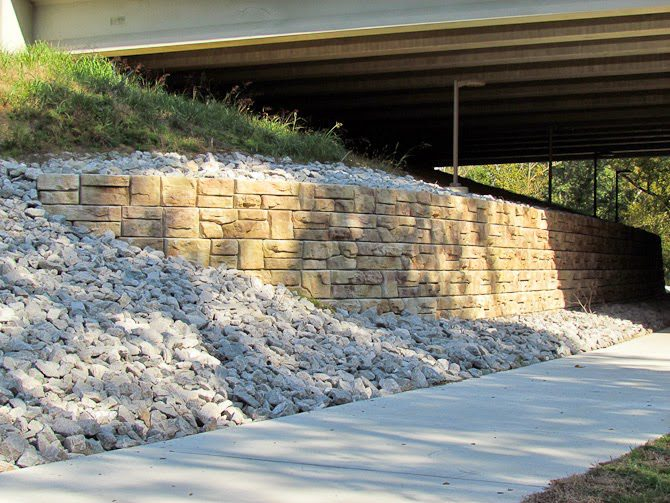 Redi-Rock-Ledgestone-headwall-for-overpass-construction-Parklands