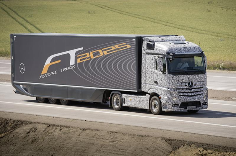 Daimler debuts driverless truck of the future informed for Mercedes benz tracking system
