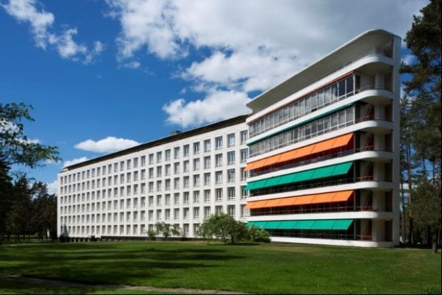 Paimio Sanatorium, patients' wing and solarium terraces. Photo: Maija Holma, Alvar Aalto Museum