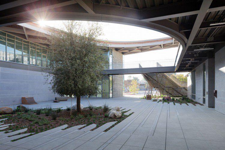 Merit Award: Pomona College, Studio Art Hall, Claremont, Calif.;Credit: Iwan Baan