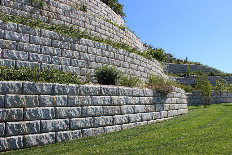 Elegant RediRock Wall